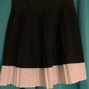 Never worn - Black and White pleated skirt